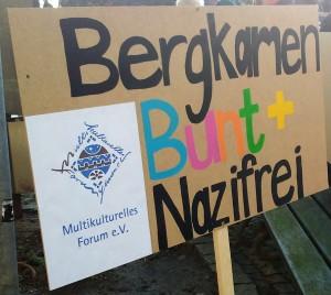 "Plakat ""Bergkamen bunt und nazifrei"""