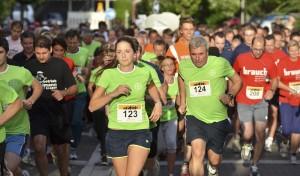 Über 400 Läuferinnen und Läufer gingen beim Bergkamener Firmenlauf an den Start. Foto: Patrick Opierzynski