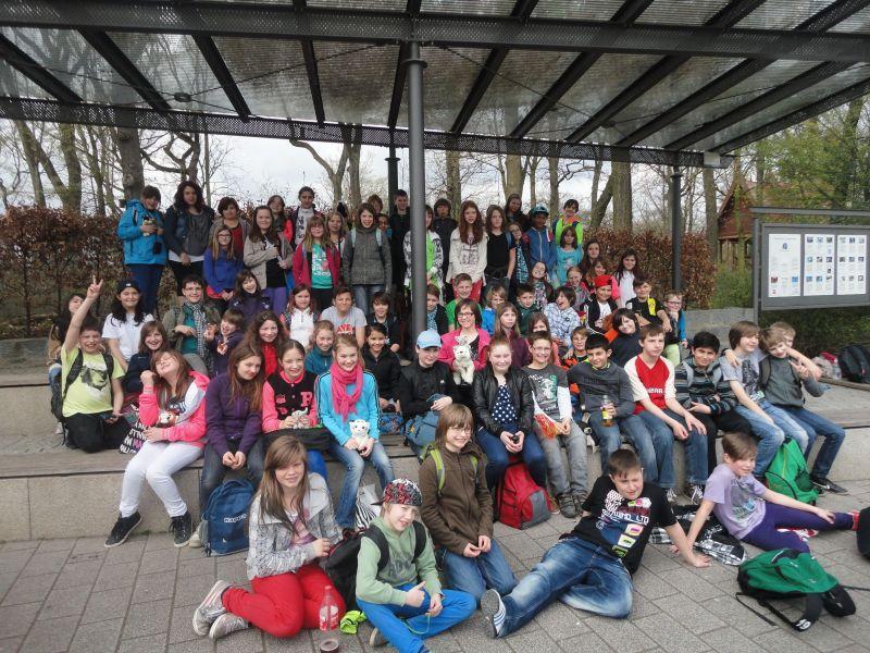 Füntklässler der Realschule Oberaden besuchen das ZOOM in Gelsenkirchen.