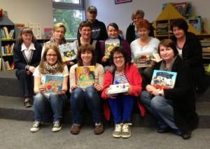 Bergkamener Tagesmütter informieren sich über die Angebot der Stadtbibliothek