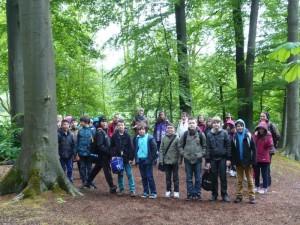 Die Klassen 5 b und 5 c  der Freiherr-vom-Stein-Realschule besuchten mit ihren Klassenlehrerinnen die Waldschule Cappenberg.