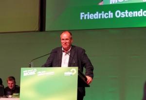 """Friedrich Ostendorff begründet bei der Landesdelegiertenkonferenz den Antrag """"KiK und Co zur Verantwortung ziehen – Ausbeutung und Gefährdung von Leben beenden!"""""""