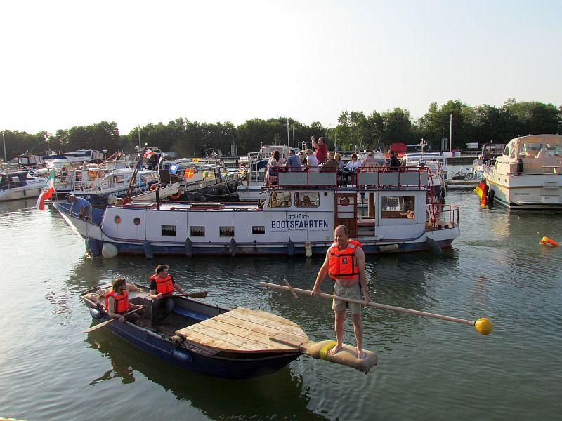 Teilnehmer fürs 9. Fischerstechen beim Hafenfest 2014 gesucht.