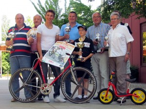 Lucas Liß 3.v.l.) tritt richig motiviert beim 3. Bergkamener Radsport-Festival an.