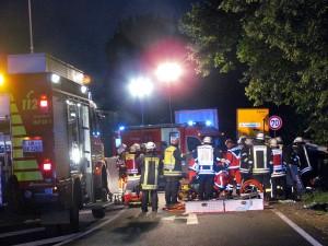 Schwerer Unfall mit zwei Schwerverletzten am Dienstagabend auf der Lünener Straße.