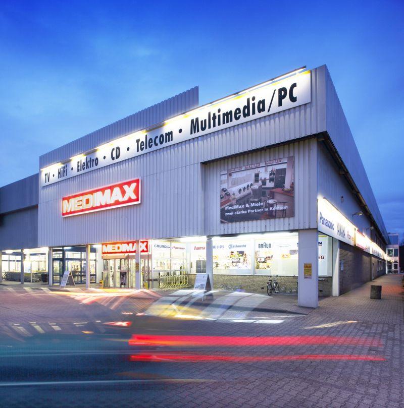 Außenansicht eines Medimax-Marktes. Foto: Medimax