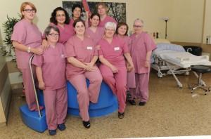 Das Kamener Geburtshilfe-Team mit den Belegärztinnen Dr. Petra Blanke (hintere Reihe 2. v. l.) und Dr. Regina Meese-Klawuhn (hinten l.) nimmt Abschied.