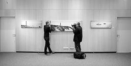Fotograf fotografiert Fotografen. Eine Impression von der Ausstellungseröffnung. Foto: Dietmar Wäsche (der 3. Fotograf im Bunde....)