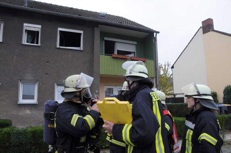 Rund 60 Feuerwehrleute waren am Mittwochnachmittag an der Heinetraße in Weddinghofen im Einsatz gewesen. Fotos: Ulrich Bonke