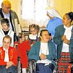 Foto von einem früheren Besuch des Kinderheims in Oberschlesien.