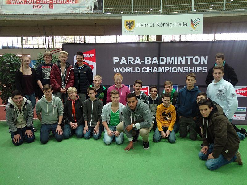 Die 9 b der Realschule bei der Para-Badminton Weltmeisterschaft.