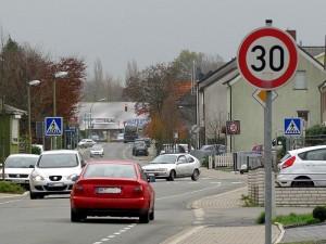 Die Anlieger woll auf der gesamtren Heinrichstraße eine Geschwindigkeitsbegrenzung auf 30 km/h.