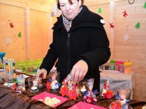 Eine echte Weihnachtsmarktpremiere erlebten diese Rumkugeln in Rünthe.