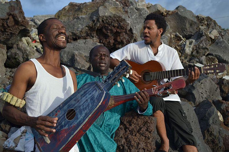 Das Trio Elisouma von den Komoren spielt am 16. Dezember im Trauzimmer der Marina Rünthe.