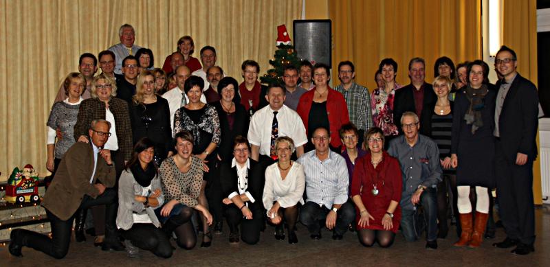 Die Teilnehmer der Tanzkurse der Friedenskirchengemeinde.