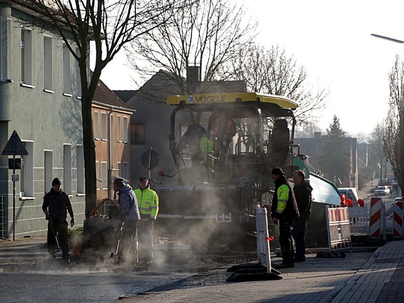 Wegen Asphaltarbeiten ist die Töddinghauser Straße am Montag voll gesperrt.
