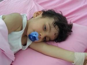 Dert dreijährige Burak ist an Leukämie erkrankt. Er und seine Familie brauchen dringend Unterstützung.