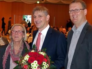 Das Spitzenduo der SPD bei den Kreistagswahlen Brigitte Cziehso und Michael Makiolla (m.) mit dem UB-Vorsitzenden Olivert Kaczmarek.