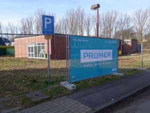 Die letzten baulichen Reste von Grimberg 3/4 verschwinden wird. Der Abbruch des ehemaligen Gesundheitshauses hat jetzt begonnen.