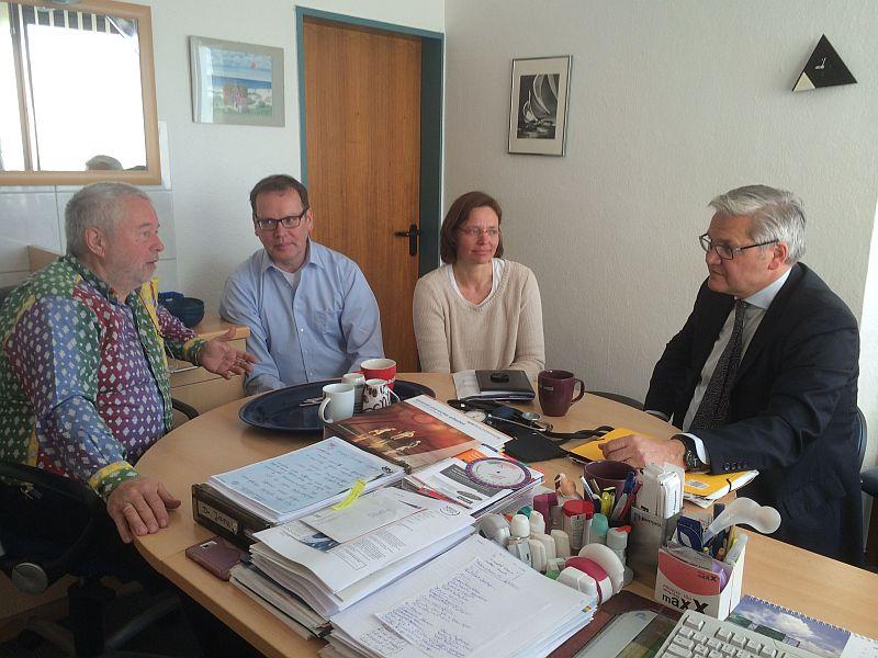 (von links): Dr. Rainer Janz, Dr. Peter Schumpich, Dr. Karen Schroeders, Hubert Hüppe MdB
