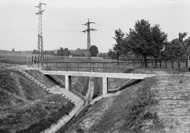 Fußgängerbrücke über dem Kuhbach im Jahr 1937. (Foto: Lippeverbanfd)