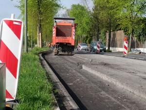Asphaltfräse auf der Landwehrstraße