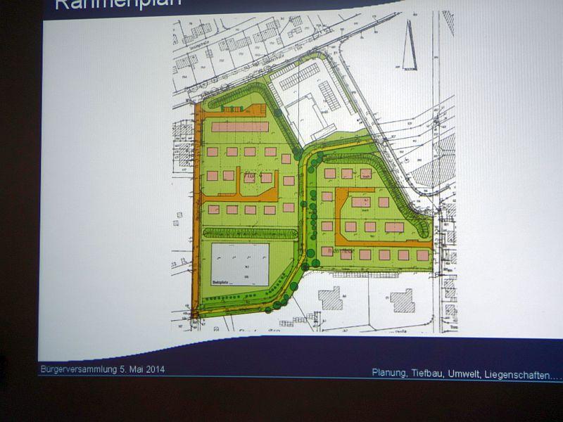 Der 2011 beschlossene Rahmenplan für die Bebauung des Fläsche zwischen Büscherstraße und Geschwister-Scholl-Straße in Bergkamen-Mitte: in Grün und Orange die neuen Siedlunsgbereiche, links unter der Bolzplatz und rechts oben in Weiß die Aldi-Fläche.