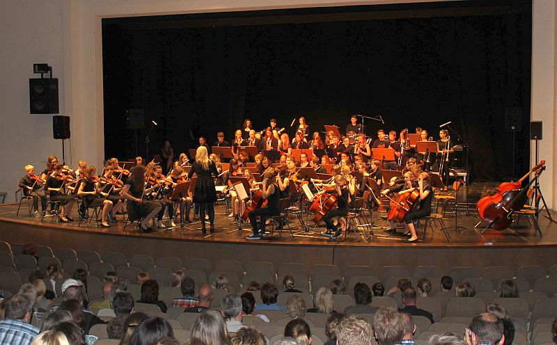 Gemeinsames Konzert im Neuen Theater der Stadt Emden