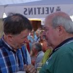 Eine der letzten Begegnungen in offizieller Mission: Hafenfest-Organisator Manfred Turk (r.) geht im Sommer in den Ruhestand. Hier im Gespräch mit dem Partnerschaftsbeauftragten der polnischen Stadt Wieliczka, Marek Filipek