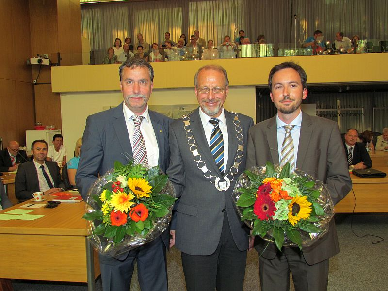 Bürgermeister Roland Schäfer (m.) und seine beiden Stellvertreter im Stadtrat Kai Schulte (l.) und Christian Pollack.