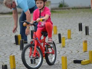 Auch die ganz Kleinen durften sich im Radparcours versuchen.
