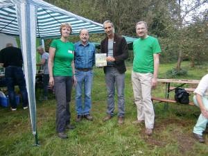 ( v.l.): Silvia Lippert, Heinz-Georg Beyer (beide Vorstandsteam  Kreisgruppe Unna), Holger Sticht (BUND Landesvorsitzender), Frank  Weissenberg (ebenfalls Vorstandsteam Kreisgruppe Unna)