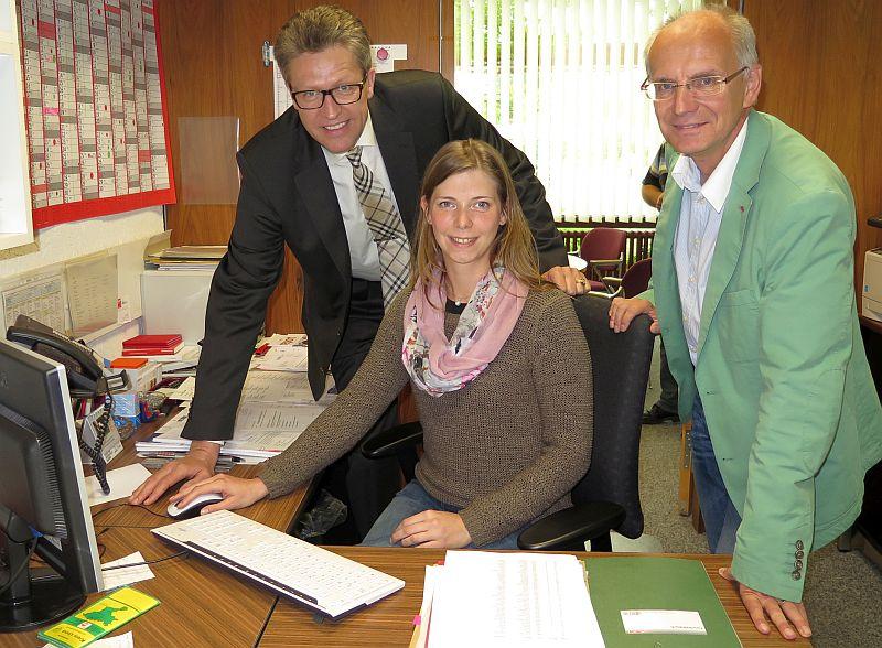 Bernd Schäfer und Thomas Semmelmann mit der neuen Fraktionsgerschäftsführerin  Julia Rehers.