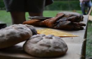 Lecker: Das ofenfrische Brot mundet vorzüglich.