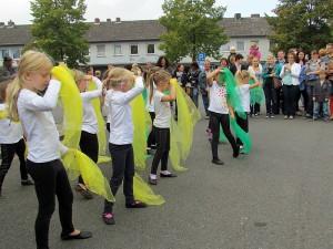 Die Jüngsten der Schreberjugend zeigen beim Kinderfest des Stadtjugendrings ihr Können.