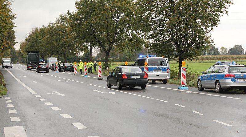 Drogenkontrolle der Polizei kurz hinter der Bergkamener Stadtgrenze auf der Dortmunder Straße in Hamm. Foto: Polizei