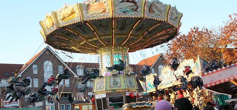 Über 120 Fahrgeschäfte erwarten die Besucher der Sim-Jü in Werne.