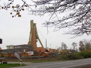 Auch auf dem Grundstück direkt neben der HEM-Tankstelle soll ein Autoaus errichtet werden.