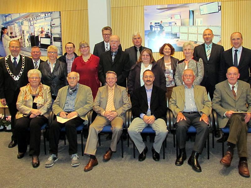 Diese engagierten Bürgerinnen und Bürgerinnen zeichnete Bürgermeister Roland Schäfer mit der Silbermedaille oder der Ehrennadel der Stadt Bergkamen aus.