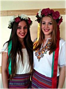 Zwei Bergkamener Teilnehmerinnen an der Russisch Olympiade.