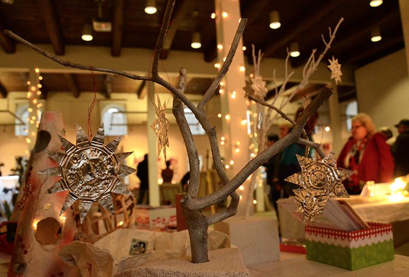 Weihnachtliche Stimmung in der Ökologiestation mit der Alternative zum klassischen Weihnachtsrummel.