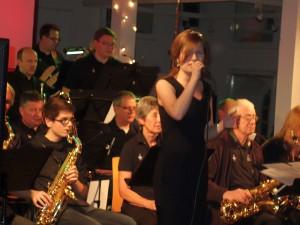 "Nina Dahlmann mit der Bigband ""Triple B"""