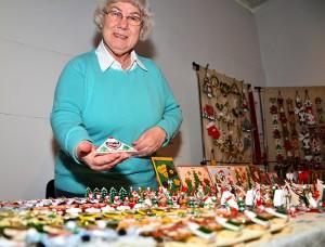 Karin Dietrich und ihre Mini-Weihnachtslandschaft sind längst eine feste Institution in Oberaden.