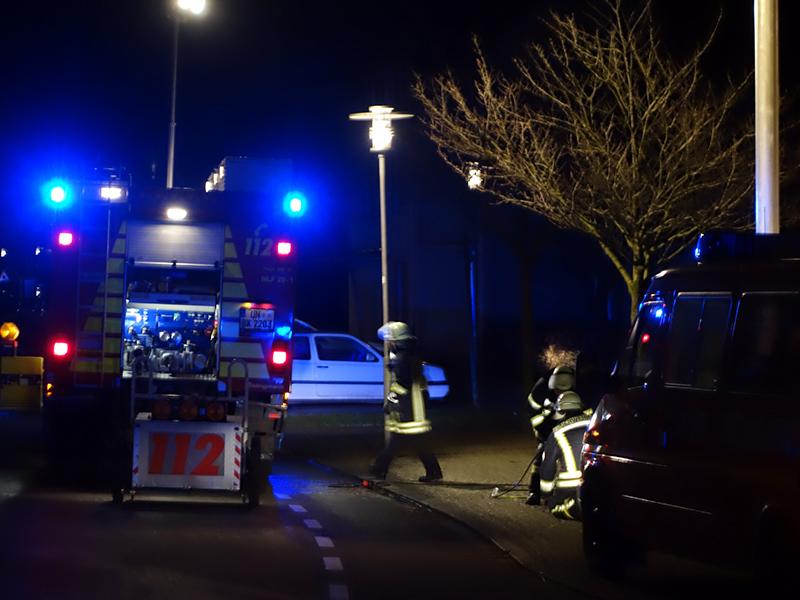 Einen Schwerverletzten forderte am Montagabend ein Zimmerbrand in einem Mehrfamilienhaus an der Ebertstraße.