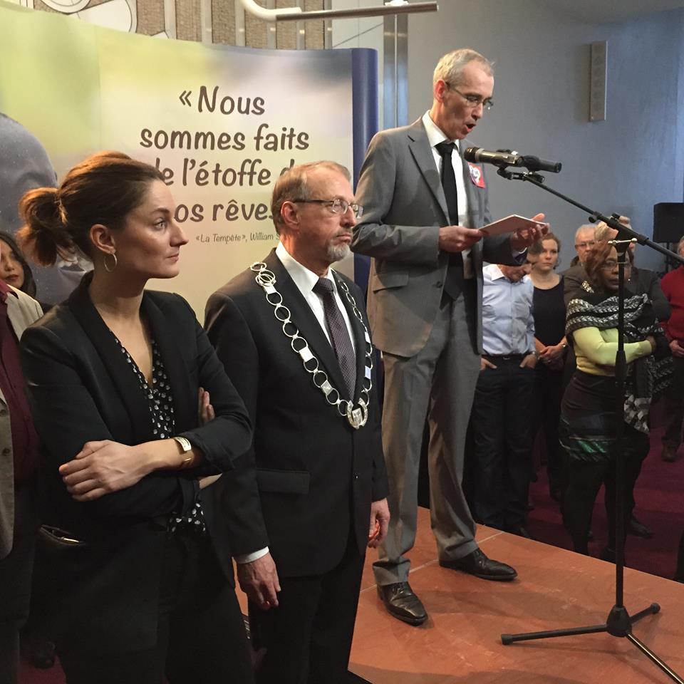 Gedenkveranstaltung der Partnerstadt Gennevilliers für die Opfer des Terrors in Paris, an der auch Bürgermeister Roland Schäfer teilnahm.