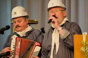 """Ganze Kerle war das Duo """"Scheddy & Metze"""", dass für die musikalische Bergbau-Traditon sorgte."""