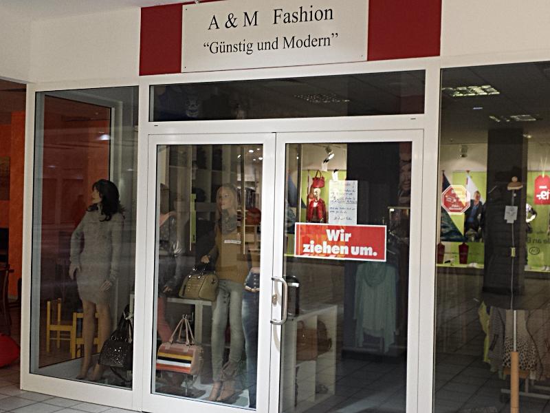 A&M Fashion schließt, zieht nach Kamen und will 2016 zur Neueröffnung der BergGalerie nach Bergkamen wiederkommen.