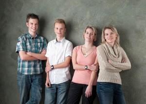 Annika mit ihren Geschwistern