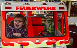 Juchuu! Feuerwehrautofahren macht Spaß!