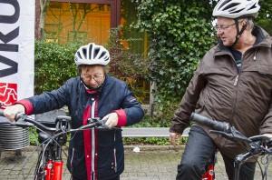 Ab auf das E-Bike und eine Proberunde drehen.